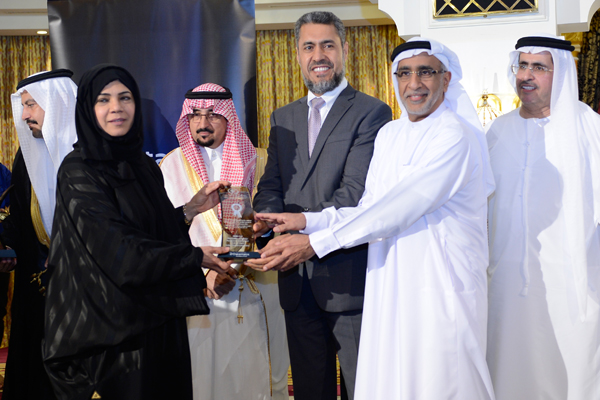 Mr. Sayed Aqa, UNDP's UAE Resident Representative presenting the  Middle East Municipalities Knowledge Management Development Excellence Award Dubai Central Laboratory to HE Eng / Hawa Abdulla Bastaki Executive Director of Dubai Central Laboratory- UAE