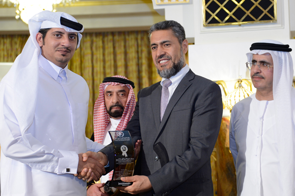Mr. Sayed Aqa, UNDP's UAE Resident Representative presenting the   Middle East Culture and Heritage Preservation Excellence Award  to Eng. Bader Nasser Al-Hamdan Director General of the National Center for Urban Heritage- KSA