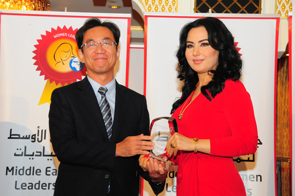 Hon. Japanese Consul General Hisashi Michigami Presents the Woman Leader in Media Excellence Award to Souhair Al Qayssei, Senior News Anchor - Middle East Broadcasting Corp (MBC TV)